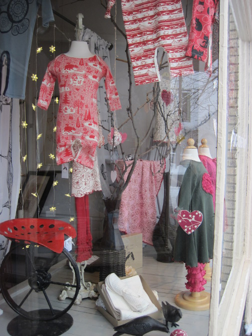 2014-02-03-store-window-2